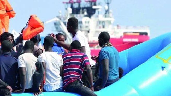 Migranti in Italia, sbarchi: foto generica