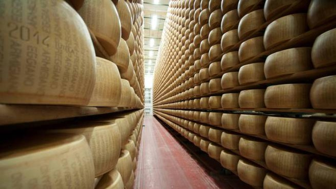 Parmigiano Reggiano (Ansa)