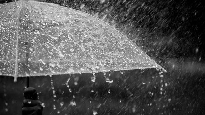 Previsioni meteo: nuova allerta per temporali sulla costa