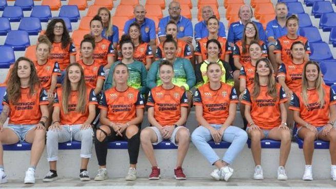 La prima squadra del Calcio Femminile Pistoiese 2016