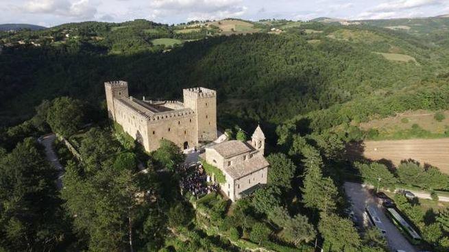 Rocca d'Ajello, sulle colline di Camerino, è uno dei luoghi Fai da non perdere