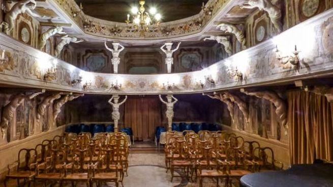 Il teatrino del '700 all'interno di Villa Mazzacorati