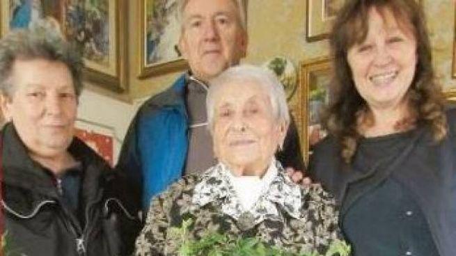 La maestra Aldina è stata festeggiata ad ogni suo compleanno dagli ex alunni