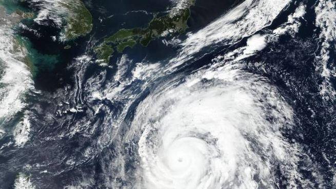 Giappone, il tifone Hagibis dal satellite (Ansa/Nasa)