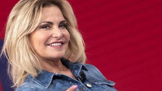 Simona Ventura è stata vista a passeggio a Cesenatico