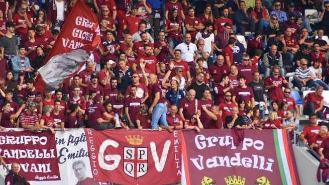 I tifosi della Reggiana (foto Artioli)