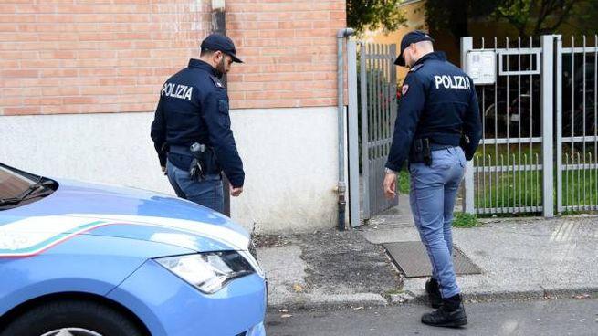 La polizia in via Primo Maggio (Businesspress)