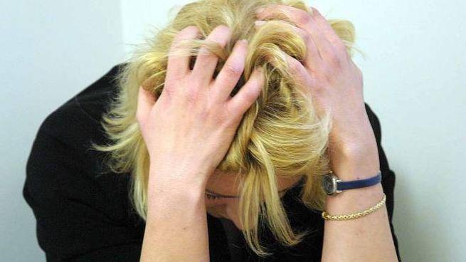 La disperazione della mamma picchiata dal figlio di 17 anni per la droga