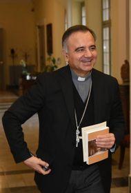 Monsignor Erio Castellucci si è confrontato su temi economici come la responsabilità d'impresa e i modelli del capitalismo e del collettivismo