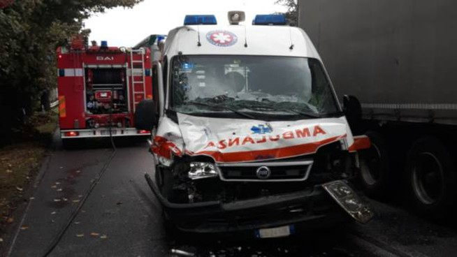 L'ambulanza incidentata