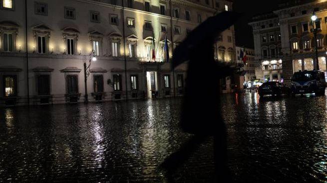 L'esterno di Palazzo Chigi durante il Cdm di ieri (LaPresse)