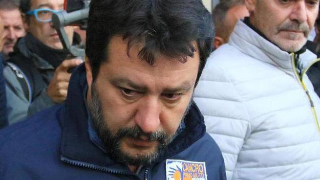 Matteo Salvini esce dalla Questura di Trieste il 7 ottobre (Ansa)