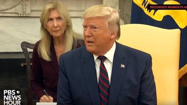 Elisabetta Savigni, livornese doc, alle spalle del presidente Trump