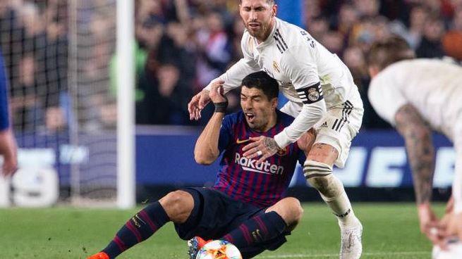 Suarez contro Ramos nel Clasico della scorsa stagione