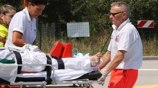 L'uomo è stato portato all'ospedale in codice rosso