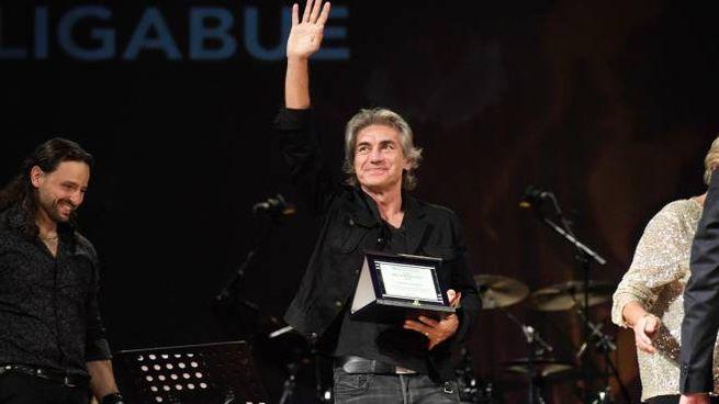 Premio Bertoli nella foto Luciano Ligabue