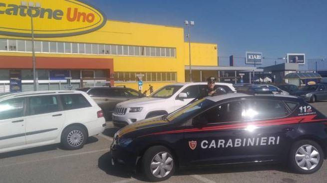 I carabinieri hanno denunciato il padre per abbandono di minore