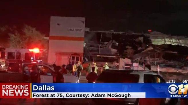 Tornado devasta Dallas, in Texas (frame video Cbs)