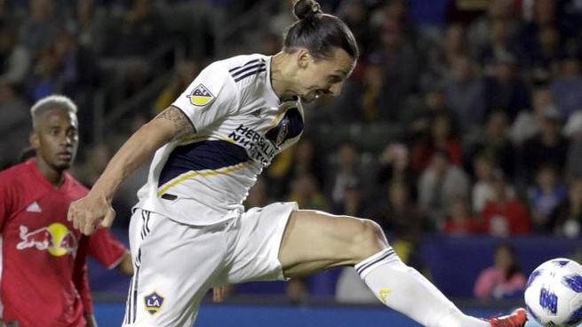 Zlatan Ibrahimovic, 38 anni, in azione con i LA Galaxi