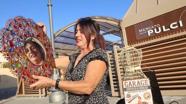 Nuovo allestimento per il Mercato delle pulci (New Press Photo)