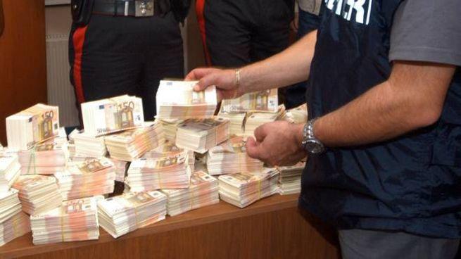 Trovati 120mila euro in contanti sottoterra (foto d'archivio Newpress)