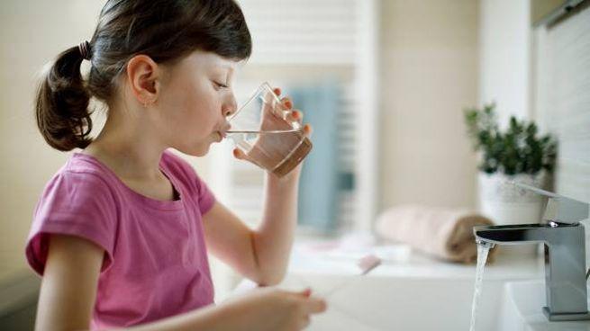 Denti sani e gengive protette: il floruro rinforza lo smalto e previene la carie