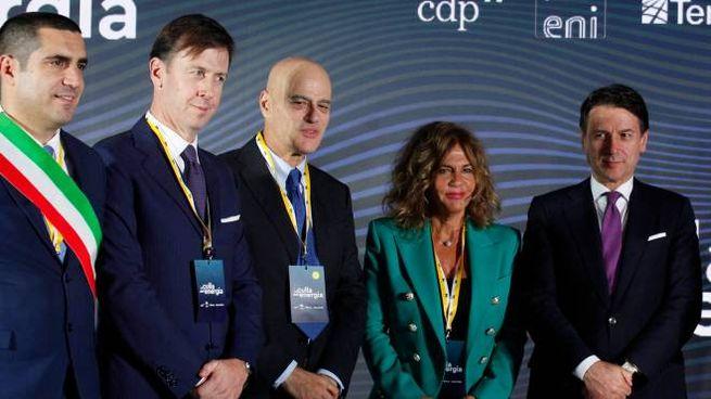Conte con Emma Marcegaglia, Fabrizio Palermo, Claudio Descalzi, Michele De Pascale