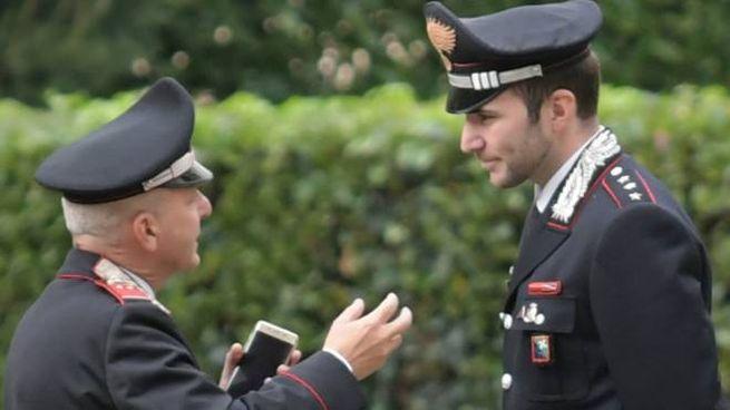 Carabinieri a lavoro (Newpress)