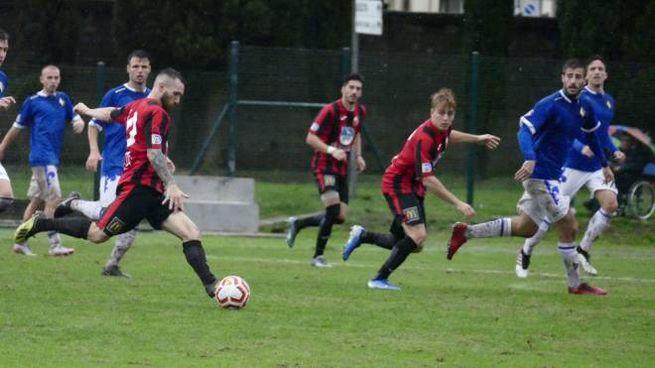 Il derby vinto dai rossoneri (foto Attalmi)