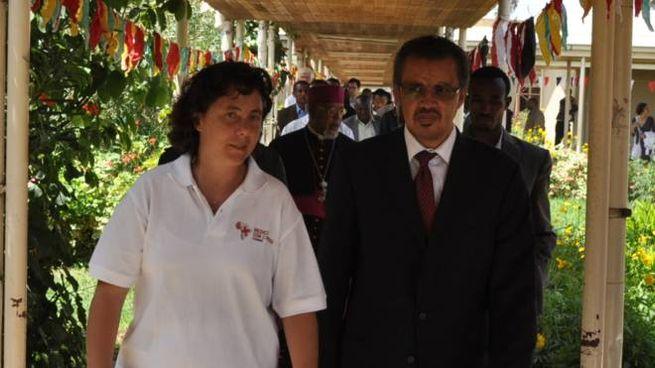 La dottoressa Trivelli a Wolisso (Etiopia) con il direttore dell'Oms, Tedros Adhanom