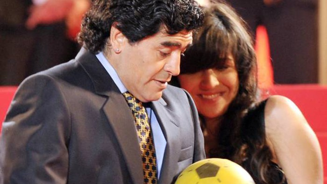 """Maradona in guerra con la figlia: """"Vuoi l'eredità? Non ti ..."""