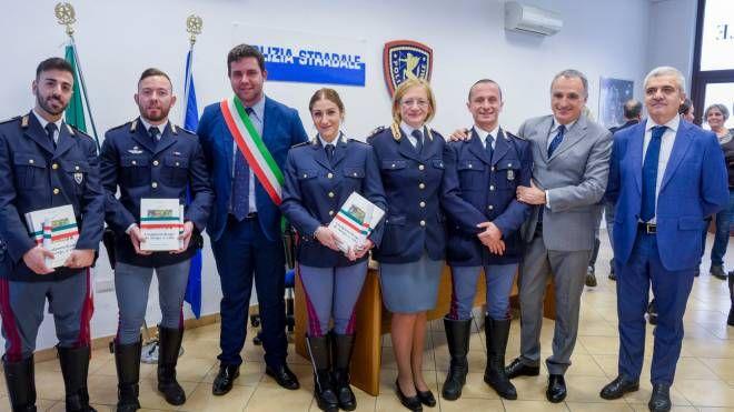 Casalpusterlengo, intervenuti fuori servizio: premiati tre agenti della Stradale - IL GIORNO