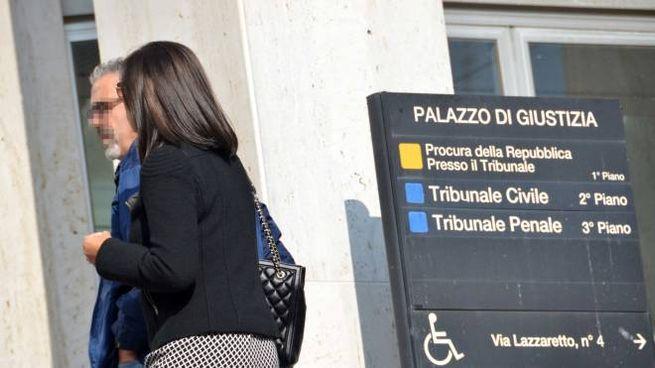 L'entrata del palazzo di giustizia di Forlì dove si è tenuto ieri il processo