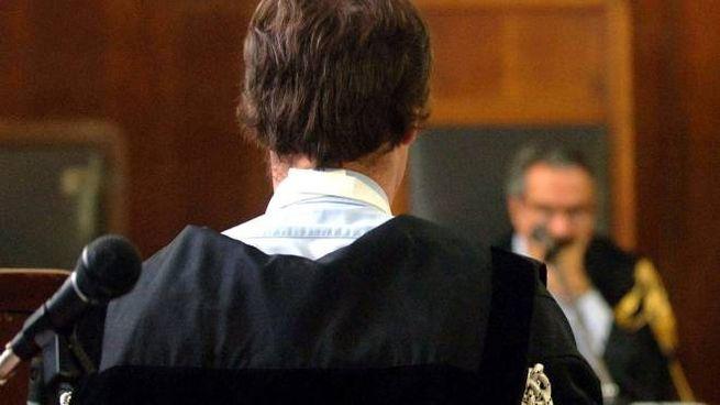 """Un giovane lucchese vittima di un ricatto hard dopo un incontro  a pagamento con un """"escor"""