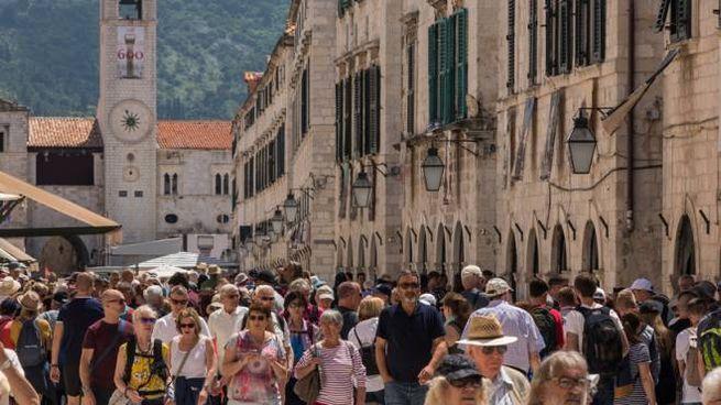 Dubrovnik è vittima del sovraffollamento turistico
