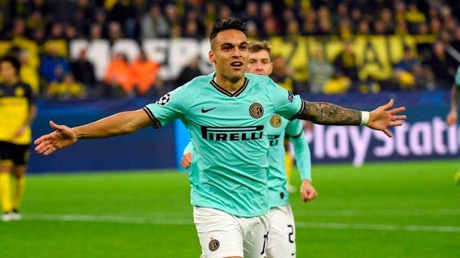 Lautaro Martinez ancora titolare nell'attacco dell'Inter contro il Verona