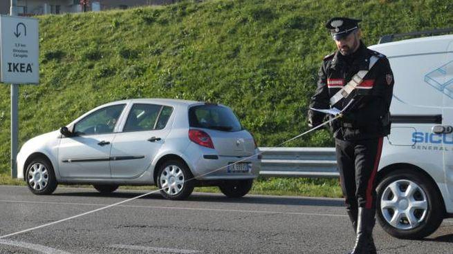 I carabinieri durante i rilievi effettuati sulla Pobbiago-Cavenago
