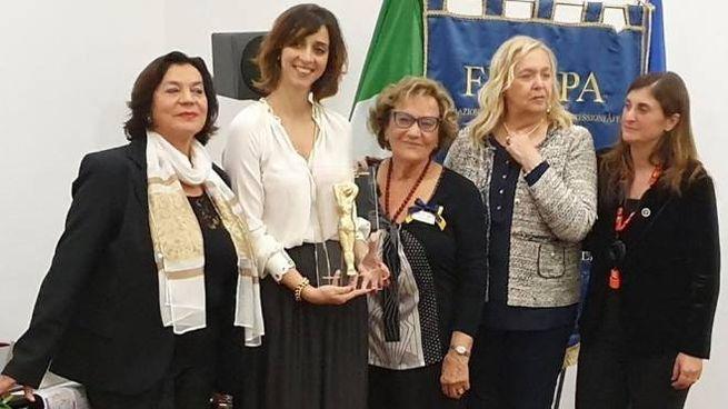 Bruna Corradetti riceve il premio