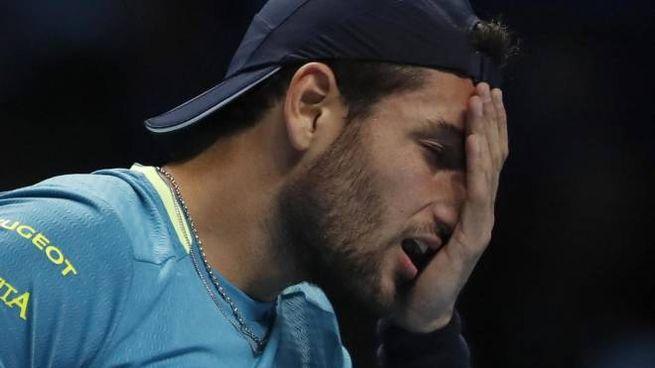 Atp Finals, Matteo Berrettini nel match con Novak Djokovic (Ansa)