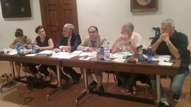 """""""Il Consiglio Comunale ridotto a passacarte!"""". Tuona l'opposizione di Montevarchi - La Nazione"""