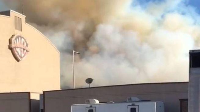 Hollywood, incendio minaccia gli Studios