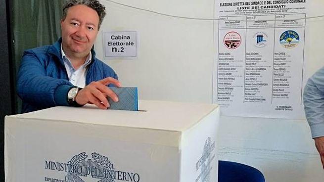 Antonio Trifoli al seggio del 26 maggio 2019 (Dire)