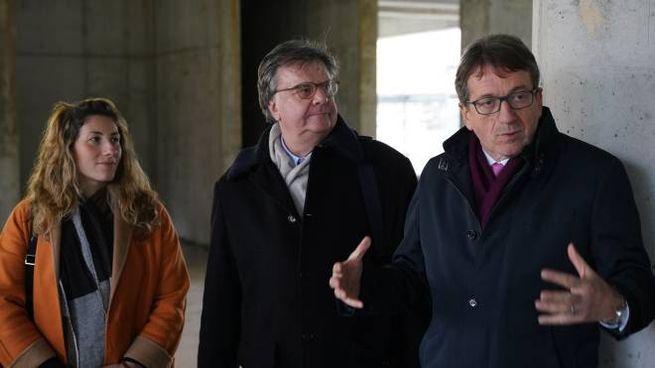 Ludovica Carla Ferrari con Carlo Adolfo Porro (al centro) e Gian Carlo Muzzarelli
