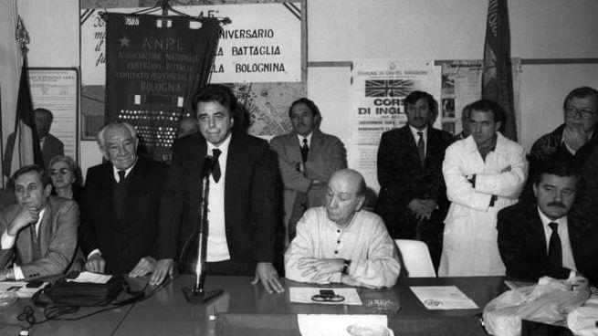 Occhetto annuncia la svolta nella sede del Quartiere Navile di Bologna (FotoSchicchi)