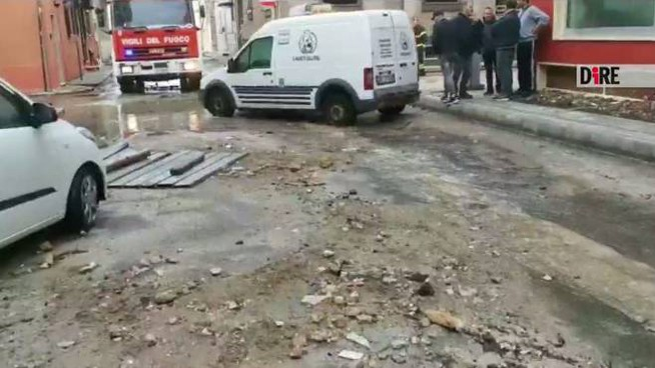 Tromba d'aria, danni a Porto Cesareo (frame di un video Dire)