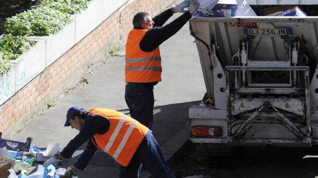I dipendenti non possono utilizzare la doccia dopo aver raccolto i rifiuti