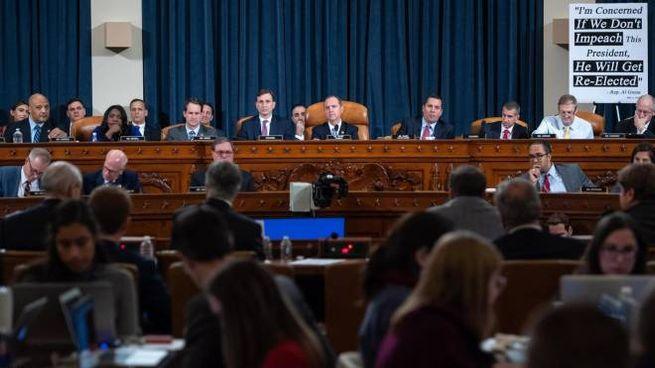 La prima udienza pubblica dell'indagine sull'impeachment contro Trump (Ansa)