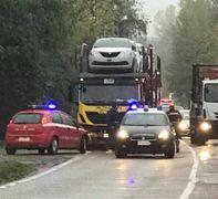Una foto dell'incidente nei pressi di Torre Maina che ieri ha fatto il giro dei social