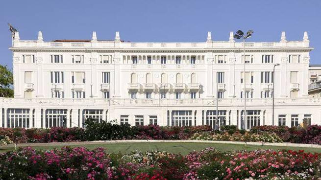 Grand hotel Riccione si rinnova, cosa cambia - Cronaca ...