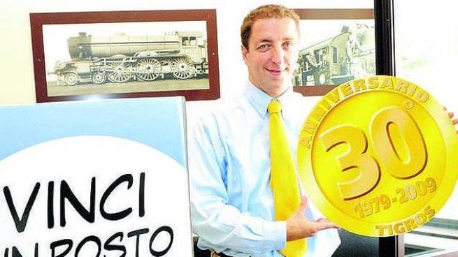 Paolo Orrigoni nel 2009 quando presentò la lotteria per un posto di lavoro